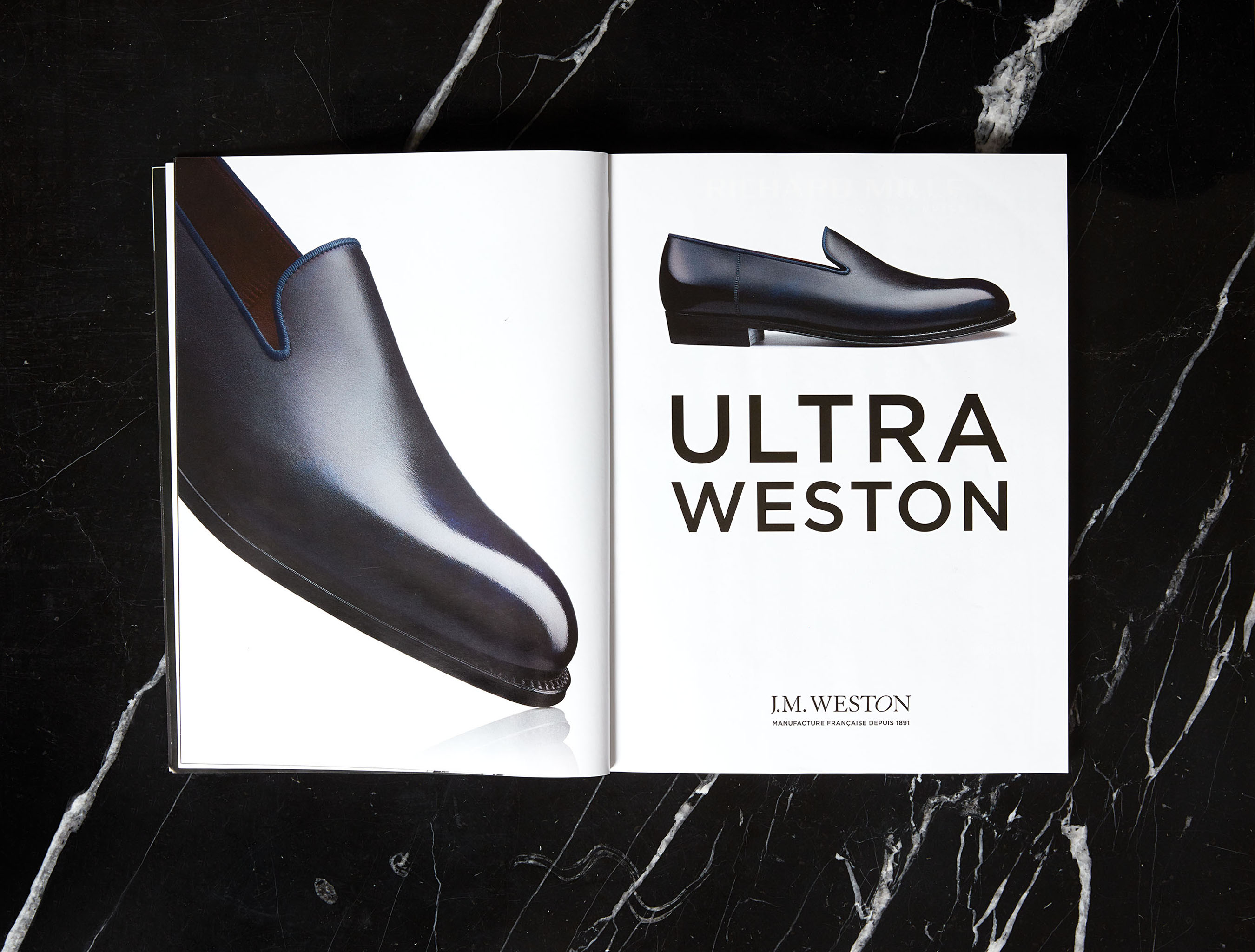 J.M. WESTON ULTRA. Mocassin Manufacture française Made in France Soulier Luxe Savoir-Faire Campagne