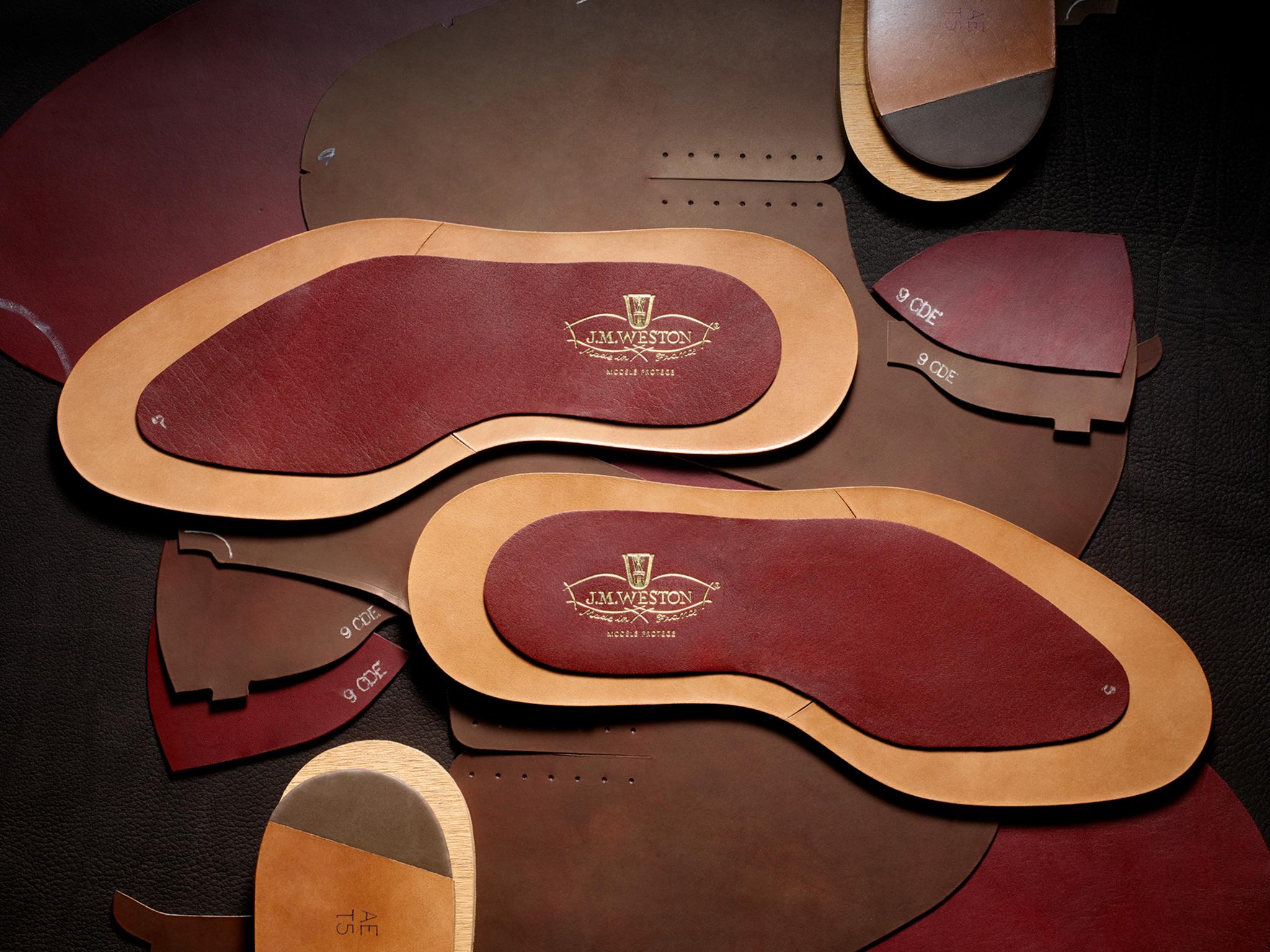 J.M. WESTON ULTRA. Semelle Savoir-Faire Manufacture française Made in France Soulier Luxe Cuir Découpe